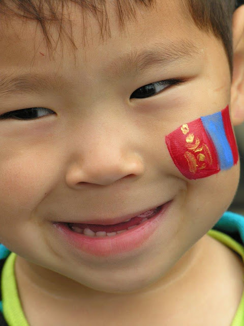 A transfer tattoo of the Mongolian flag