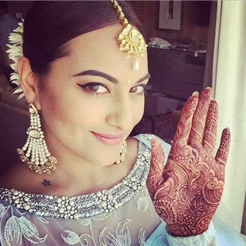 Sonakshi Sinha at her brother mahendi celebration