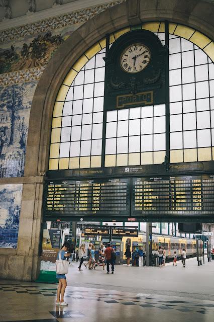 サン・ベント駅(Estação de São Bento)|ホーム