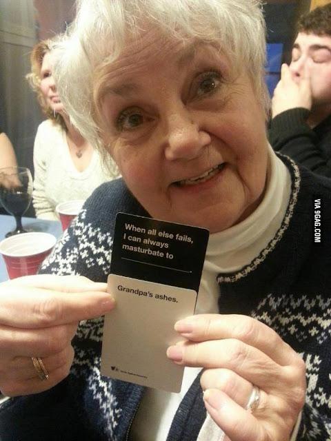 Lustiges Oma Bild mit Spruch - Omas Asche