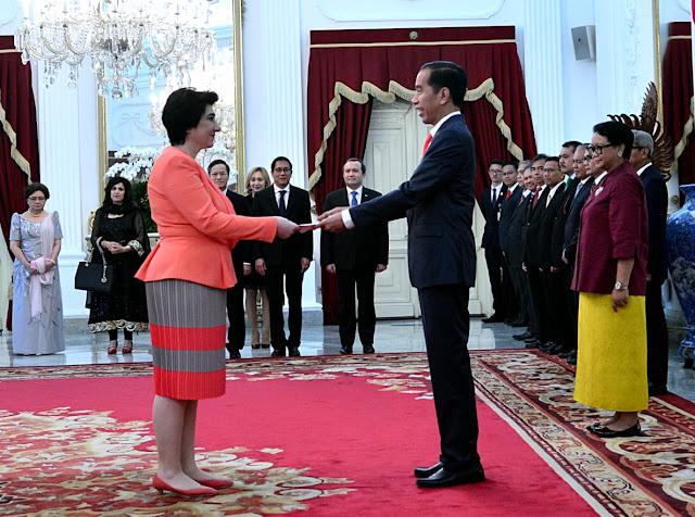 Jokowi Terima Surat Kepercayaan 8 Duta Besar Negara Sahabat