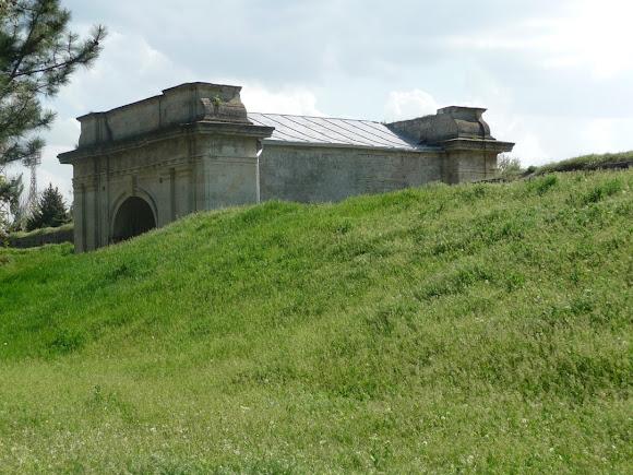 Херсон. Залишки земляних валів Херсонської фортеці
