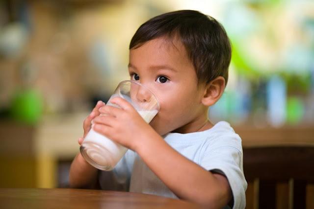 Manfaat Minum Susu bagi Tumbuh Kembang Anak