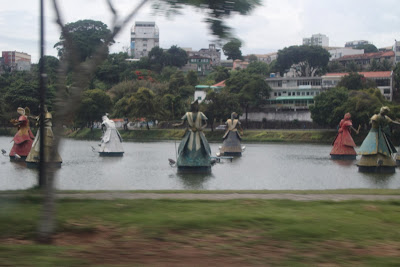 Dique do Tororó com as esculturas dos Orixás - Salvador - BA