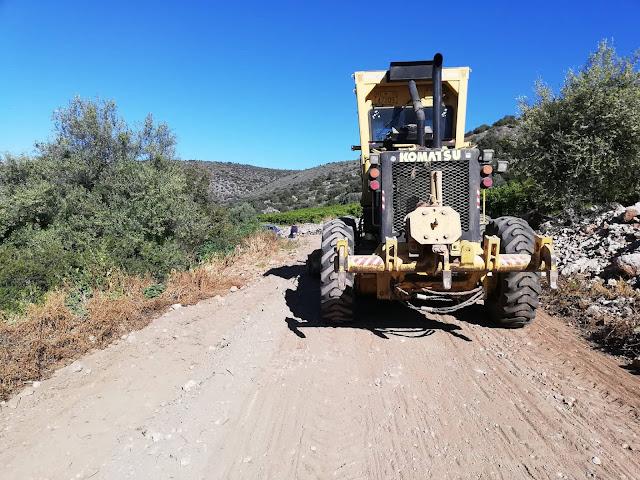 Αποκαταστάσεις και καθαρισμοί αγροτικών δρόμων στο Δρέπανο από τα μηχανήματα του Δήμου Ναυπλιέων