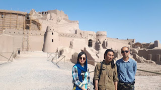 Bam Citadel in Kerman province where the earliest parts of this ancient castles was built as fortresses. It was considered as one the most important trading center and is famous for producing silk and cotton materials. It has received extensive repair work throughout the centuries and it is open to the public today as tourist attractions.