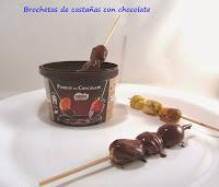 Brochetas de castañas con chocolate