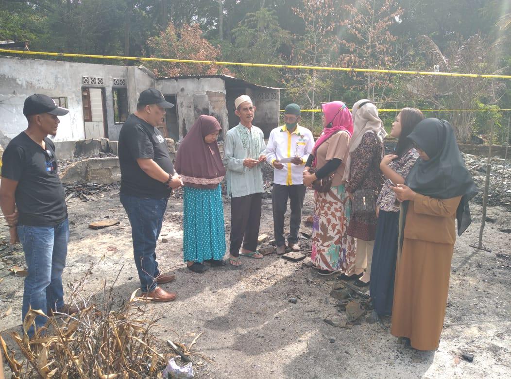 DPD Perpat Kabupaten Lingga Berikan Bantuan Kepada Korban Kebakaran