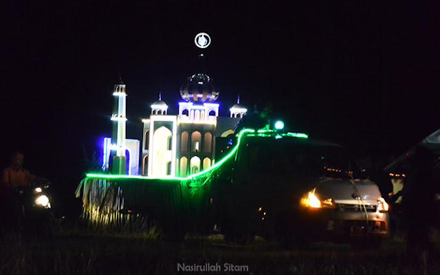 Miniatur masjid megah karya kampung Batulawang