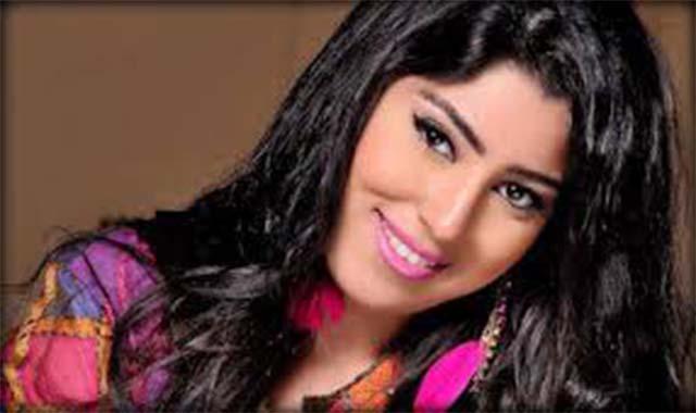 ريهام حجاج تهاجم ايتن عامر ومخرج مسلسها بفلوسي