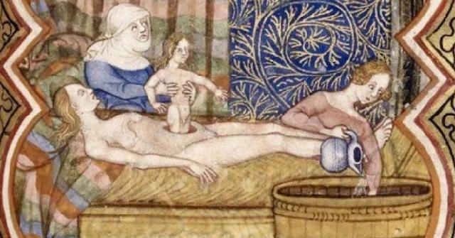 10 поразительных фактов о том, как рожали королевы в Средневековье