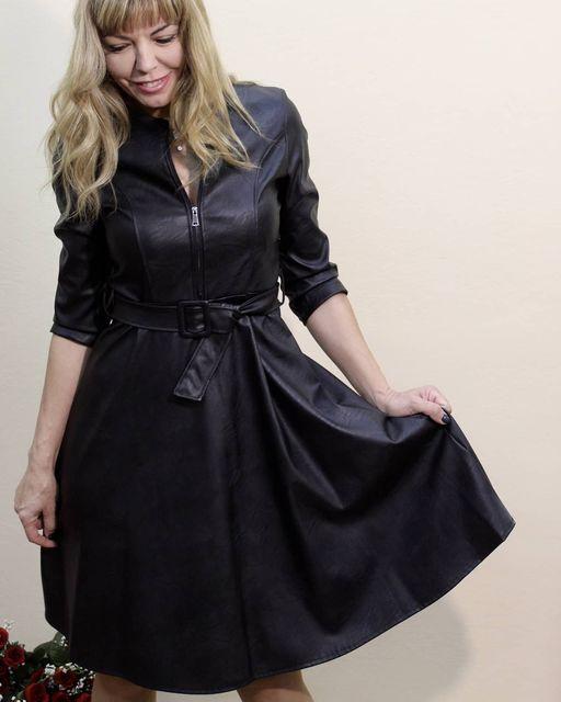 Midi φόρεμα δερματίνης με φερμουάρ μπροστά & ζωνάκι!!!