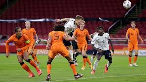 مشاهدة مباراة إيطاليا وهولندا