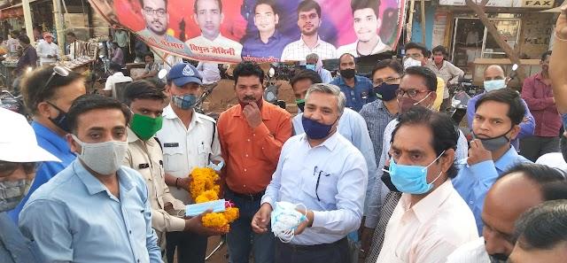 संयुक्त मोर्चा अध्यापक-शिक्षक संघ ने मास्क वितरण कर चलाया जागरूकता अभियान - Shivpuri News
