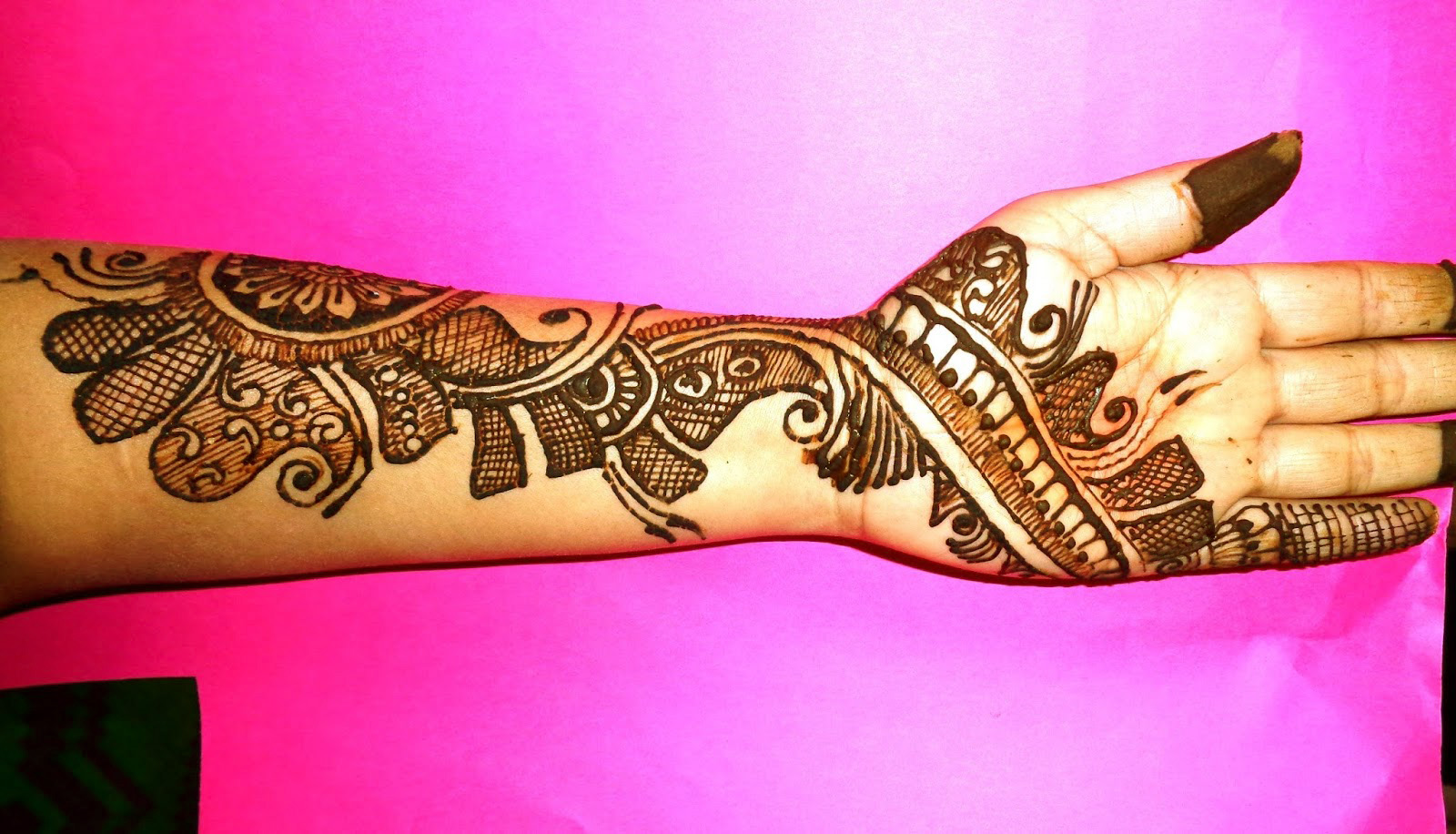 full-hand-latest-mehndi-design-2018
