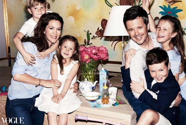Princess Mary, Prince Christian, Princess Isabella, Vincent and Josephine magazine, fashions style holiday, Mary summer collections dress
