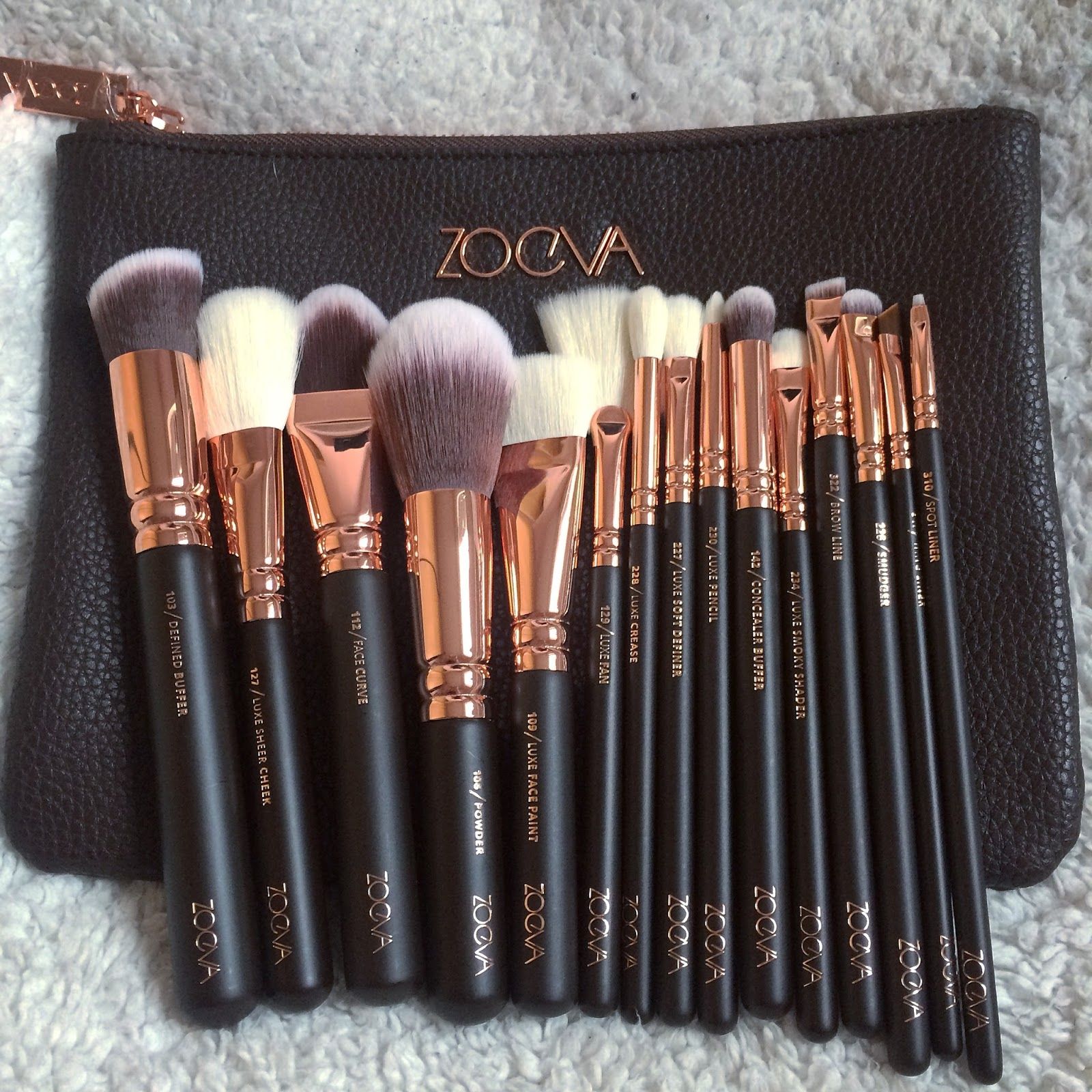 What Abby Loves: Zoeva Rose Gold Brush Set :: Volume 1