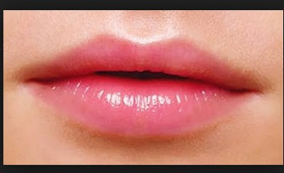 cara memerahkan bibir wanita secara alami
