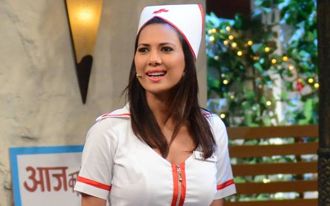 Rochelle Rao Plays Hot Nurse In The Kapil Sharma Show -1229