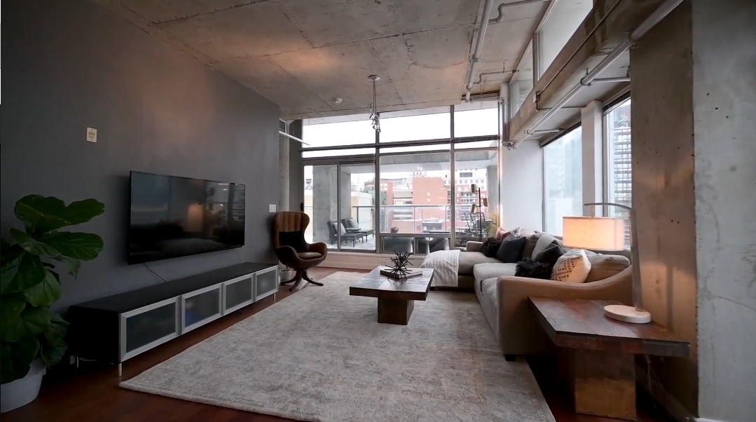 Tour One Six Nine Lofts vs. 16 Interior Design Photos