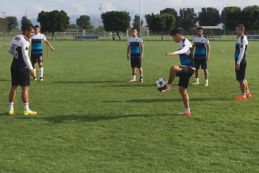 Chivas práctica previo al duelo de la Copa MX.