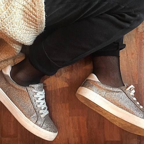 trend 2017, calze a rete, fishnet socks