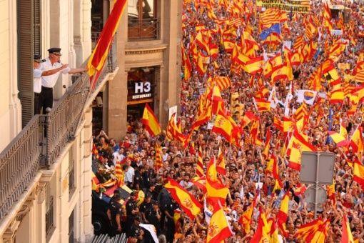 Julian Assange: Gobierno español insta a Cataluña a emanciparse
