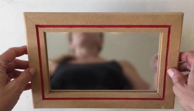 espelho com moldura de MDF