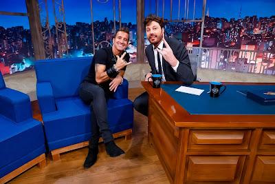 Scott e o apresentador  (Crédito: Gabriel Cardoso/SBT)