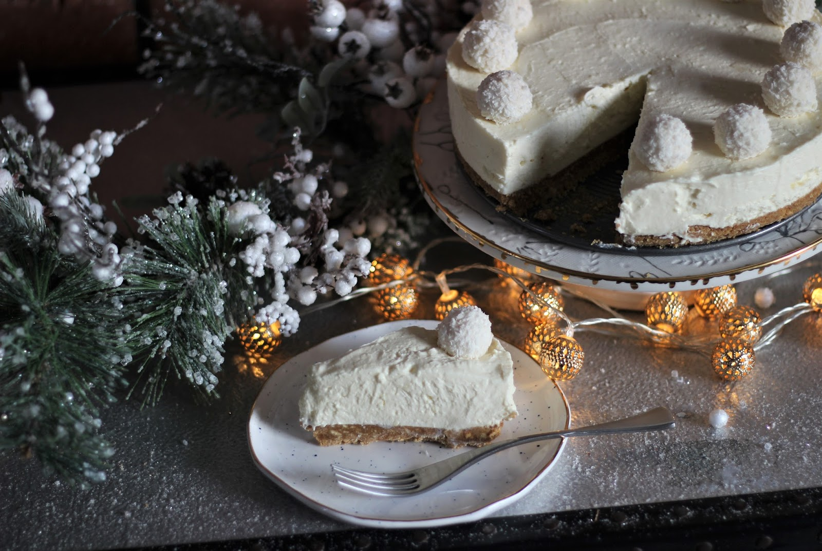 white-chocolate-snowball-cheesecake