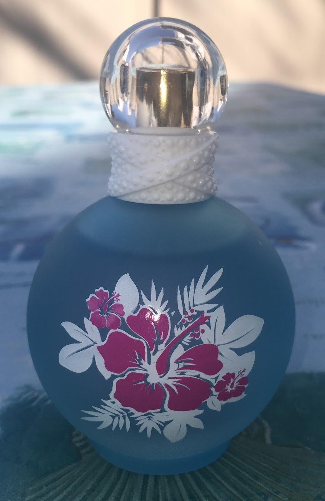 Britney spears maui fantasy perfume diane marys take on beauty as i mentioned earlier this scent reminds me of the beach and summer fragrantica says that britney wanted to create a fragrance that gives me the izmirmasajfo