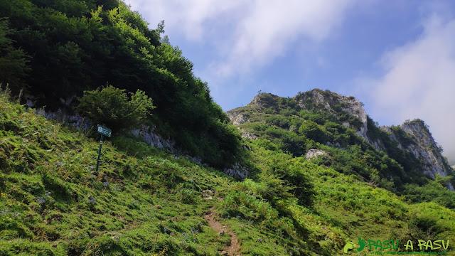 Inicio del Sendero del Escaleru