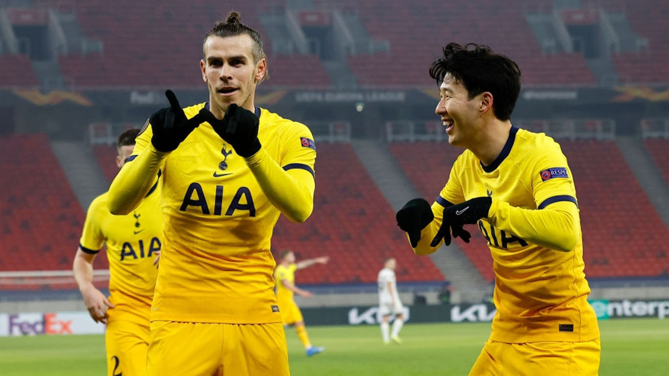 gareth-bale-of-tottenham-hotspur-celebrates-after-scoring-news-photo