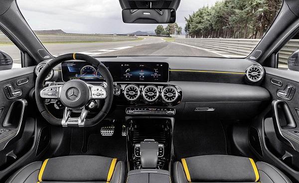 Interior Mercedes AMG A 45 S 4Matic+