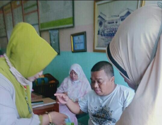 Ajak Guru – Guru SPEGRINAM Surabaya Untuk Budaya Antre