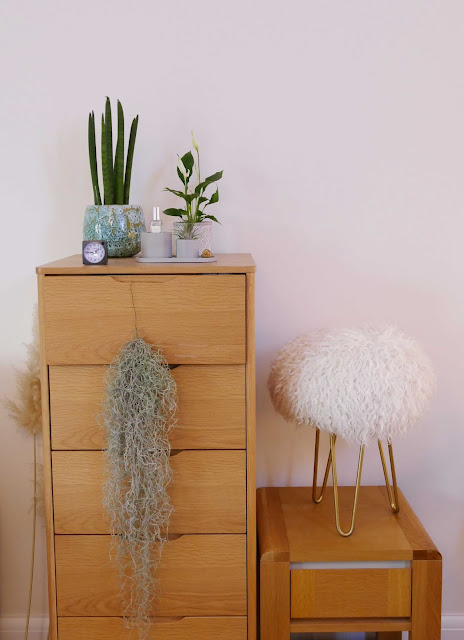design and hide uk, design and hide brand, sheepskin stool hairpin, sheepskin stool uk, sheepskin stool hairpin legs, unusual home decor