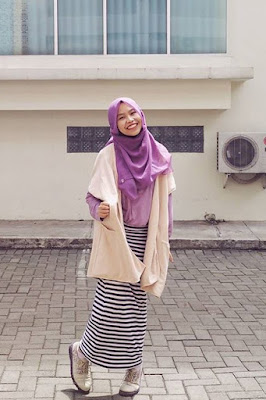 hijab simple ke kampus hijab casual ke kampus seksi dan amnais mahasiswi