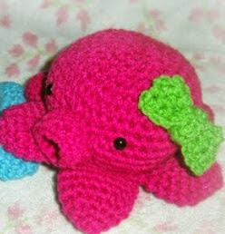 http://translate.googleusercontent.com/translate_c?depth=1&hl=es&rurl=translate.google.es&sl=en&tl=es&u=http://whimtasticalcreations.blogspot.ca/2011/04/cute-little-octopus-amigurumi.html&usg=ALkJrhgQcxaJxuBvxI_uIqeurWzSCV_b0Q