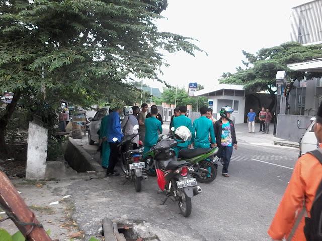 Korban penjambretan jatuh di depan Hotel Dafam, Jalan Sultan Syarif Kasim, Pekanbaru