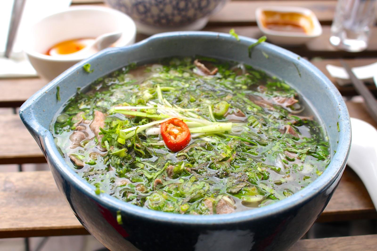 Bún Antwerp Phở bò beef noodle soup
