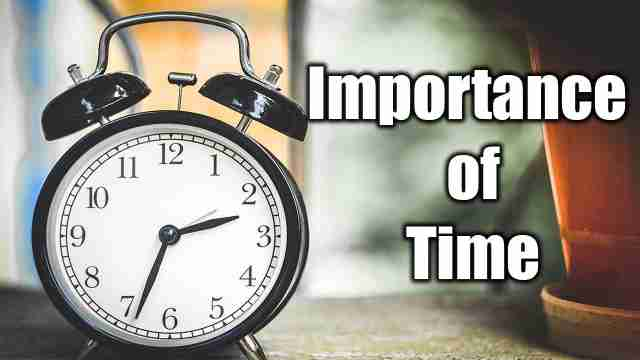 Image of clock used for English essay on Importance of time
