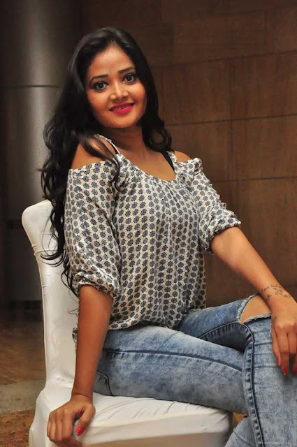 Shreya Vyas (7).jpg