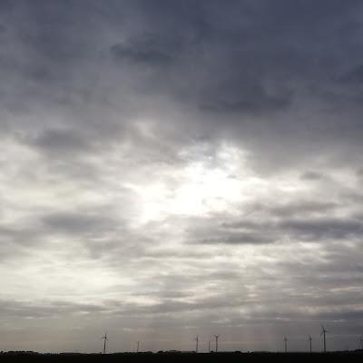Lijnen in de wolken emel