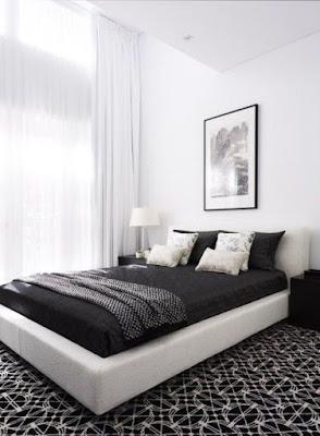 Dekor kamar minimalis sederhana - Setiap orang tentu menginginkan ruangan kamar yang nyaman ditempati. Idealnya sih (kalau bisa) kamarnya berukuran luas, sehingga nuansanya jadi terasa lapang. Misal ukuran ruang kamarnya seluas 4 x 6 meter persegi. Jelas semua orang maunya bisa memiliki kamar besar seperti itu, iya 'kan Sudah pasti iyalah. -D  Karena kalau memiliki ukuran kamar yang besar, maka akan banyak kemudahan yang Anda dapatkan. Salah satu kemudahan itu adalah; Anda bisa menempatkan beberapa perabotan di dalam kamar tersebut. Selain itu, karena ruang kamarnya besar, sehingga Anda tidak terlalu pusing ini untuk menata dan mengatur letak perabotannya.       Oleh karena itu, bagi Anda yang memiliki ukuran kamar yang luas, maka Anda patut bersyukur. Sebab tidak semua orang kondisinya tidak seberuntung Anda. Realitanya masih banyak masyarakat Indonesia yang memiliki ruang kamar yang kecil. Bahkan kebanyakan ukuran kamar masyarakat Indonesia rata-rata seukuran 3x3 meter saja.  Lalu, apakah bagi mereka yang hanya memiliki kamar berukuran kecil harus bersedih Karena jika kamarnya hanya sebesar 3x3 meter saja, tentu tidak bisa memuat banyak perabotan.   Well,,, jika Anda hanya memiliki sebuah kamar yang kecil, maka sebenarnya tidak perlu bersedih. Kalaupun memang luas kamarnya tidak bisa memuat banyak perabotan, justru Anda bisa mengakalinya dengan membuat desain kamar yang bergaya minimalis (simpel dan sederhana).  Dekor Kamar Minimalis Sederhana Jadi Anda bisa mengadopsi gaya kamar minimalis yang minim dekorasi dan perabotan. Sehingga walaupun kamar Anda berukuran kecil, namun tetap terlihat elegan, lapang, dan nyaman ditempati.     Nah, jika Anda membutuhkan referensi dan contoh dekor kamar minimalis sederhana, yuk simak uraian selanjutnya berikut ini. Cekidot!  1. Bernuansa Hitam dan Putih httpsid.pinterest.compin645844402790496003  Warna dasar yaitu hitam dan putih paling banyak digunakan pada kamar tidur. Ini memberi kesan elegan dipadukan dengan barang yang mem