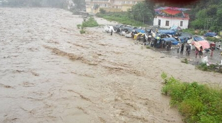 monster flood destroys 3000 farmlands displaces 1000 in