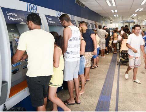 Caixa paga nesta quarta até R$ 500 do FGTS para parte dos correntistas