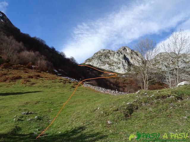 Ruta a Peña Melera y Los Pandos: Subiendo de Gallos a Collado Pando