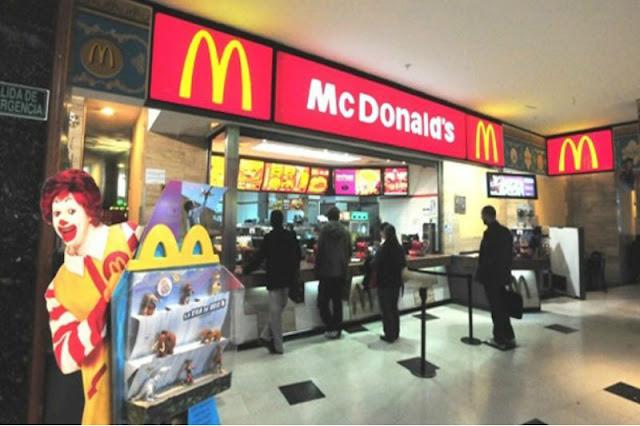 Venezolanos ignoran el paquetazo y están atentos al nuevo sabor del Mc Flurry