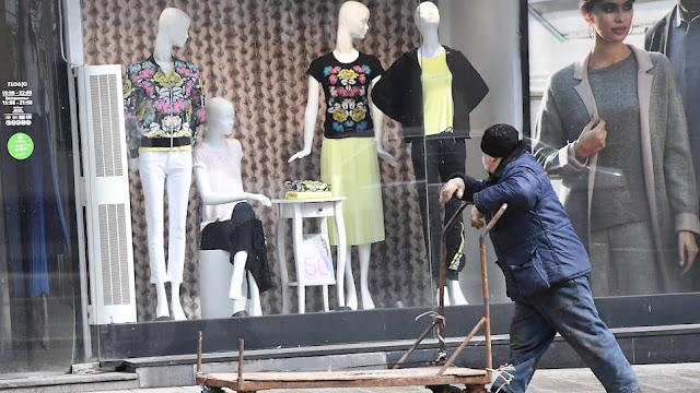 Продавцы одежды и обуви приготовились к массовым банкротствам