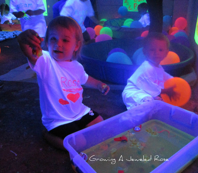 blacklight play glowing jello